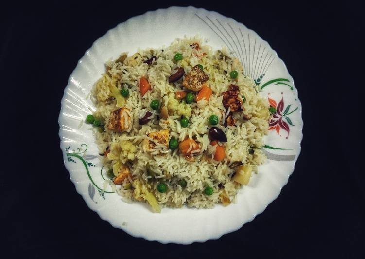 15 Minute Easiest Way to Make Winter Veg Navratan pulao