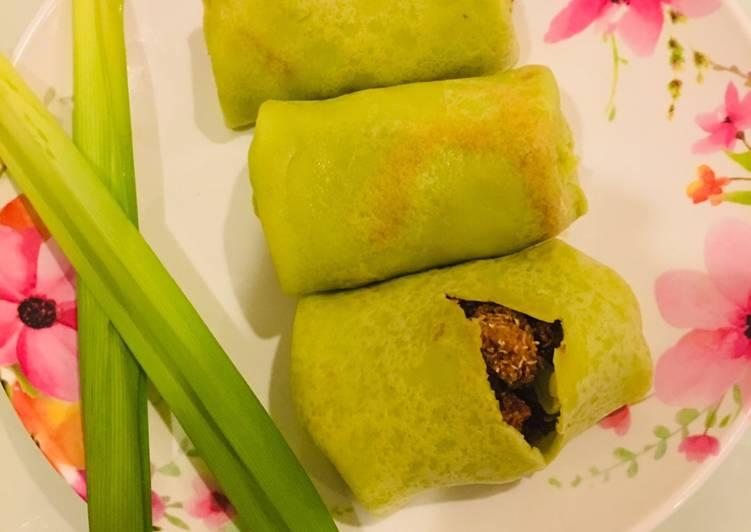 Kueh Dadar(Malaysian Stuffed Pancake)