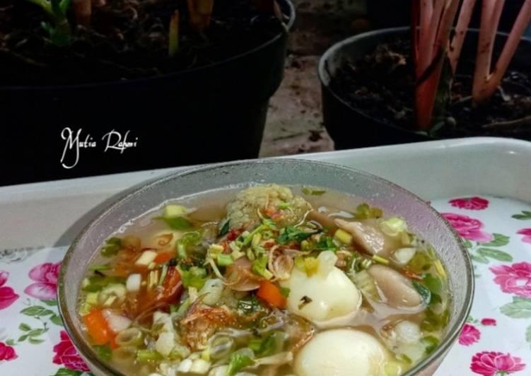 Sayur sop bakso telur puyuh