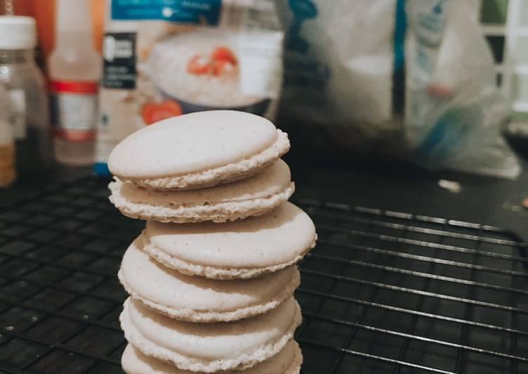 Almondless Macaroon