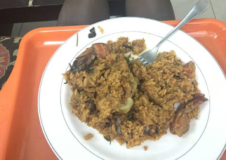 How to Make Most Popular Jollof rice with basil and rosemary herbs