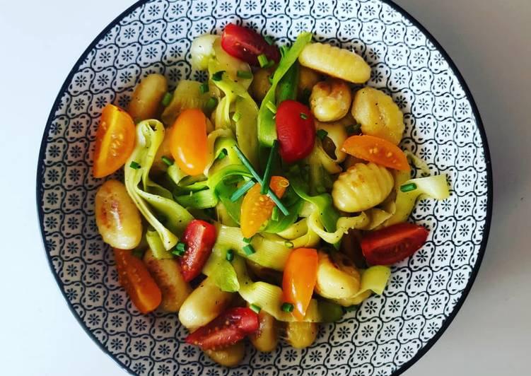 Poêlée de gnocchis au cantal, courgettes & tomates