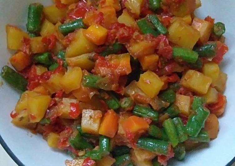 Balado kentang, buncis, wortel