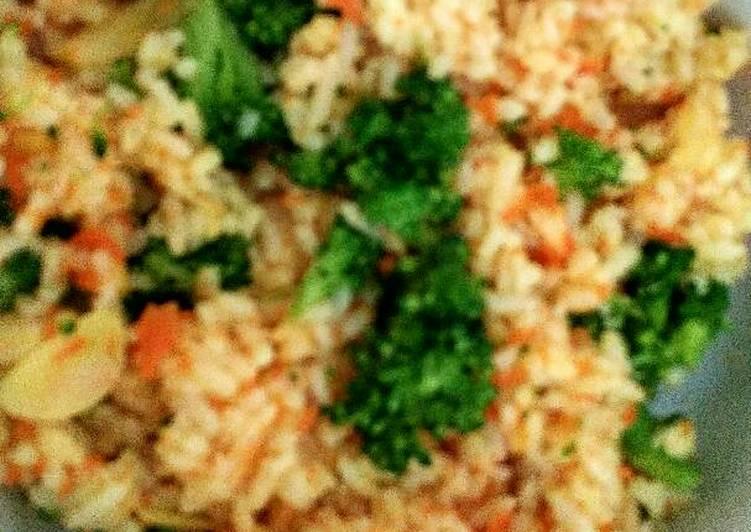 Resep Nasi goreng jingga brokoli (cocok untuk anak diatas 1 tahun) Paling dicari