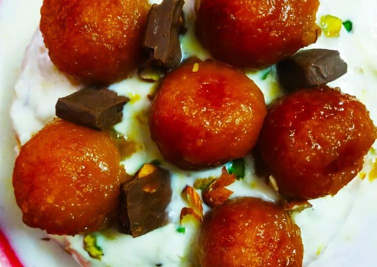 Rabdhi Gulaab jamun Eggless Cake