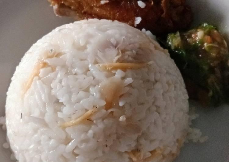 2.Nasi liwet Rice Cooker