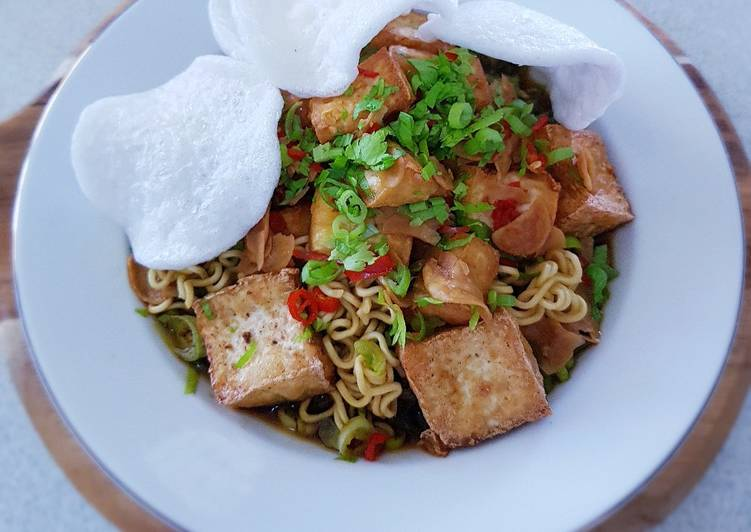 Mie Tahu Siram (Bean Curd with Noodles)