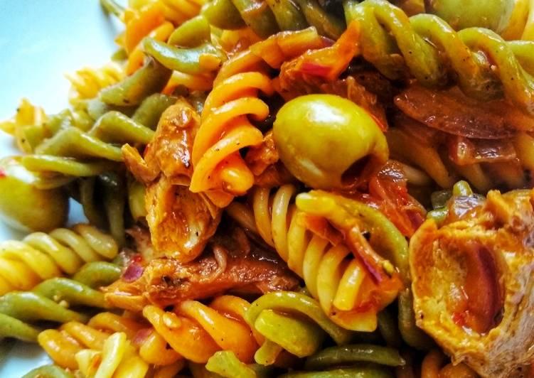 Recipe: Appetizing Spicy Mackerel Fusilli