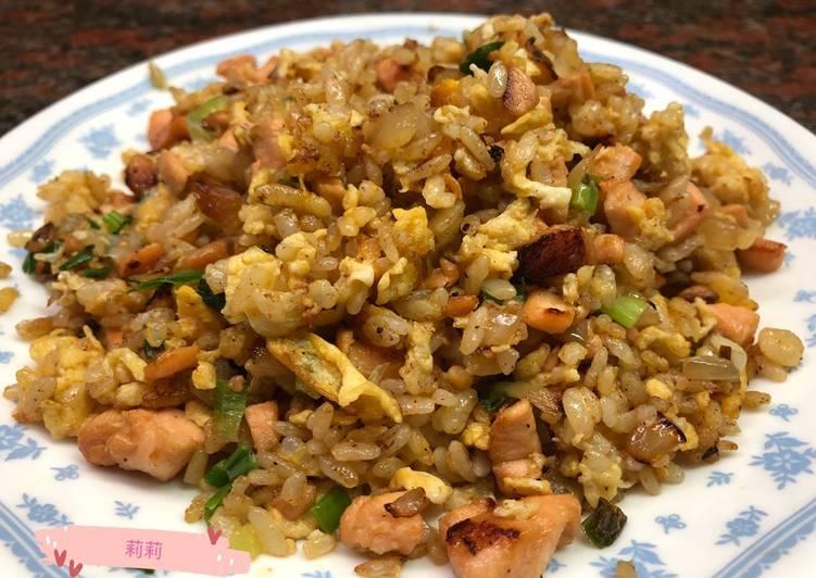 Nasi goreng salmon 鮭魚炒飯