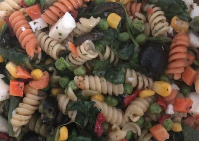 Recipe: Delicious Greek pasta salad