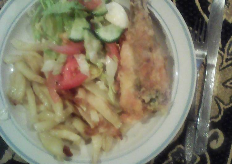 Steps to Make Favorite Fish & chips served with Green Salad