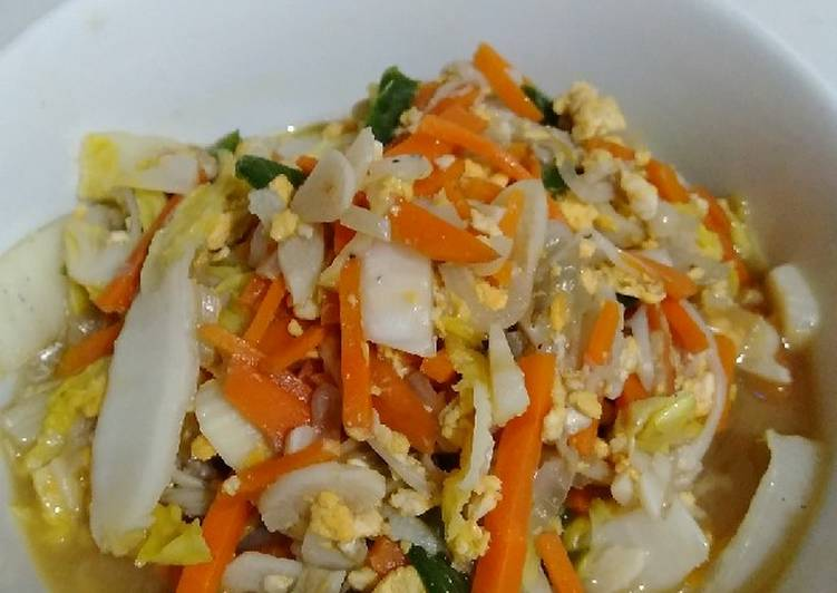 Tumis sawi putih wortel jamur enoki telur