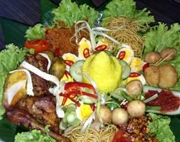 Nasi kuning untuk tumpeng mini