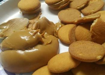 How to Prepare Appetizing Peanut butter and Vanilla wafers