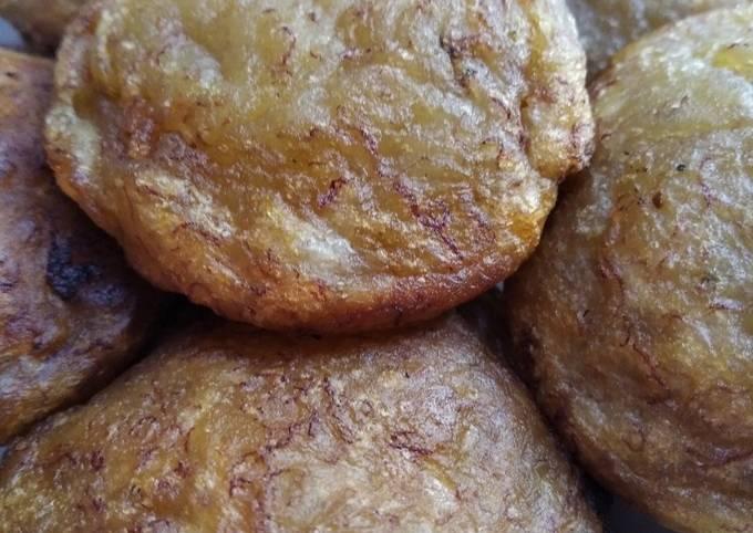 Kue apem pisang Ambon/kelinci (pisang kampung)