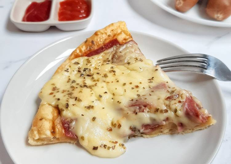 pizza-with-bechamel-sauce