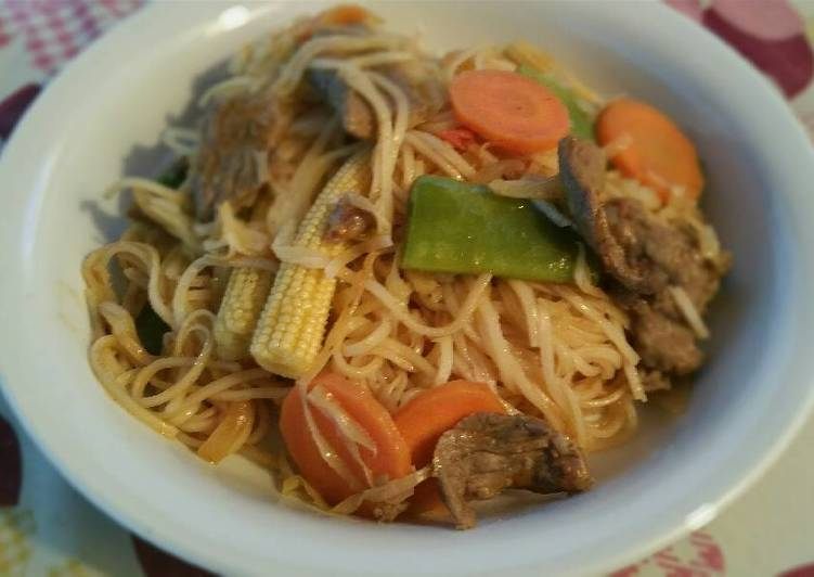 Recipe of Favorite Ebi's Stir Fry Noodles