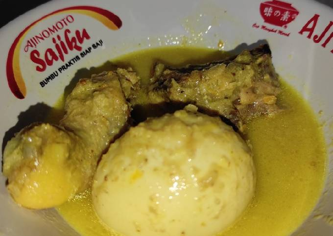 Opor Ayam dan Telur Ayam