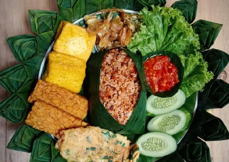 Nasi Tutug Oncom (menu komplit)