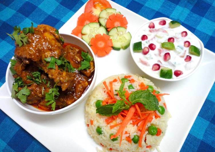 Get Inspiration of Spicy Andhra Chicken curry