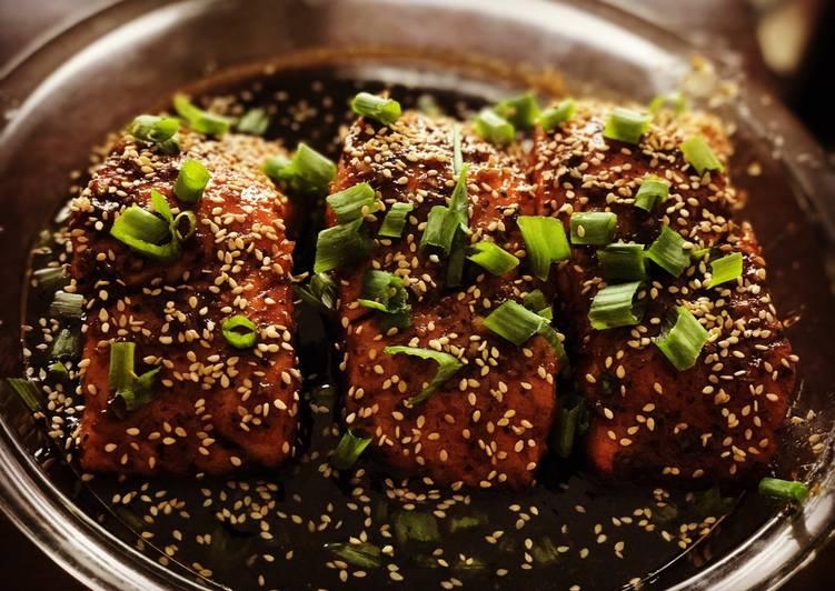 How to Cook Appetizing Honey Glazed Garlic Salmon