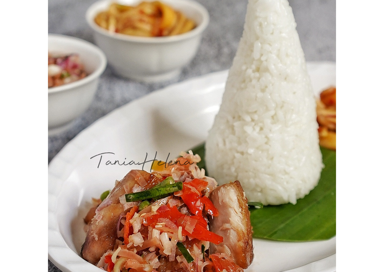 Tuna Asap & Sambal Kecombrang