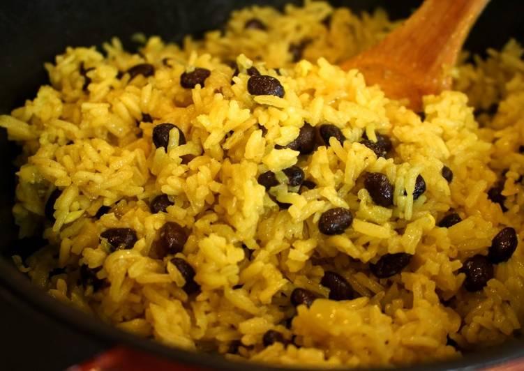 """Simple Yellow Jasmine Rice & """"Peas"""""""