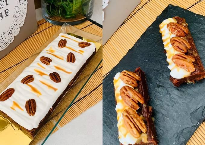 Brownie chocolat au lait crème chantilly Noix de Pécan &caramel beurre salé 🍴
