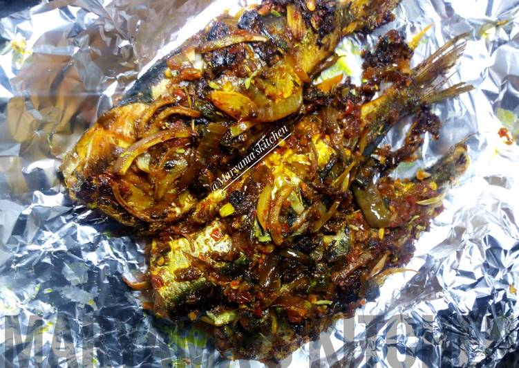 Spicy grilled mackerel fish