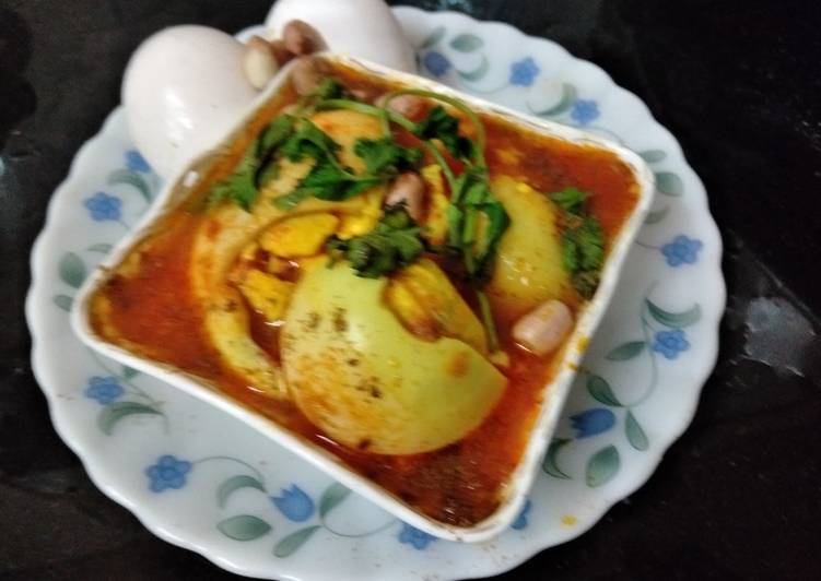 Steps to Prepare Top-Rated Egg Curry in peanuts khus khus gravy