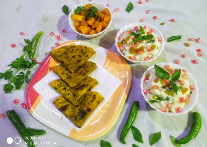 Recipe of Homemade Curd Rice with Potato fry and Palak Roti Thepla