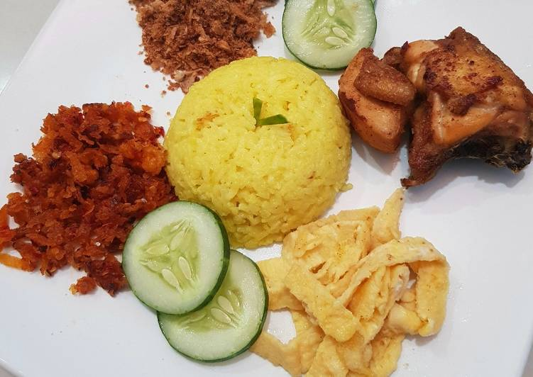 Nasi kuning magic com - cookandrecipe.com