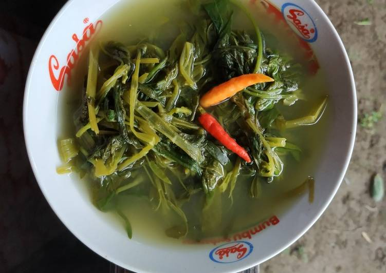 Sayur Asem Kangkung Ndeso (dengan Trasi)