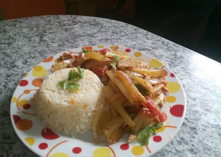como hacer un arroz con atun de lata