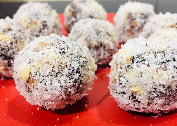 How to Make Most Popular Dates and coconut laddoo