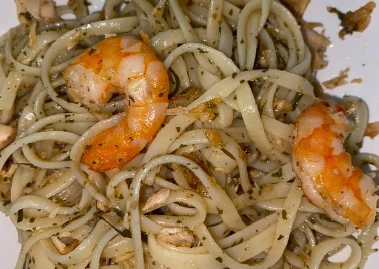 Shrimp & tuna aglio olio
