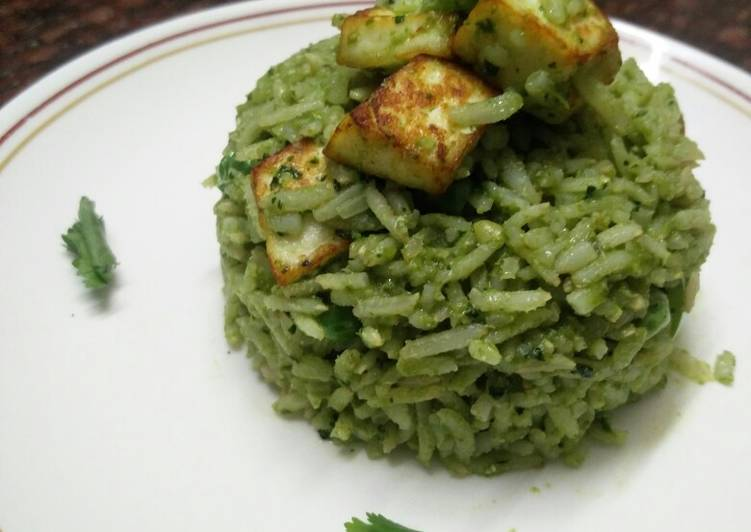 25 Minute Recipe of Favorite Palak/Spinach Paneer Brown Rice Pulao (no onion no garlic)