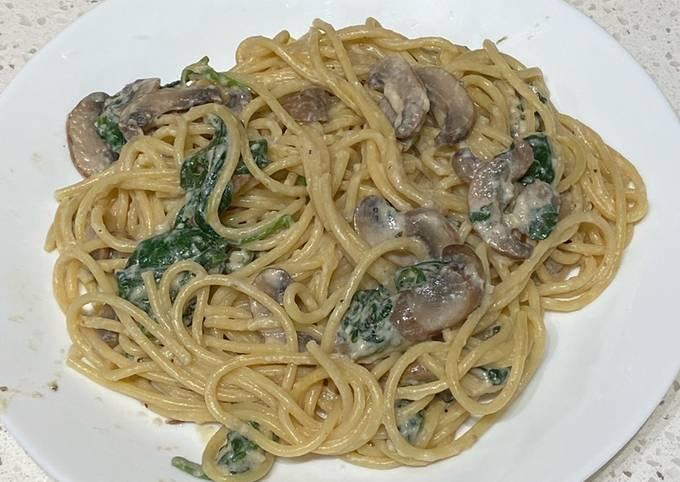 Creamy Spinach Spaghetti