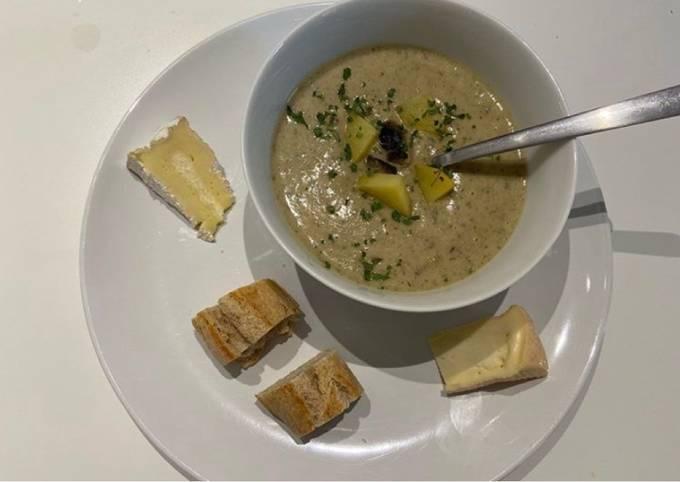 Soupe de champignons et pommes de terre