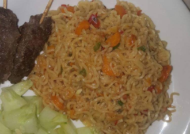 Veggie noodles with minced beef sticks