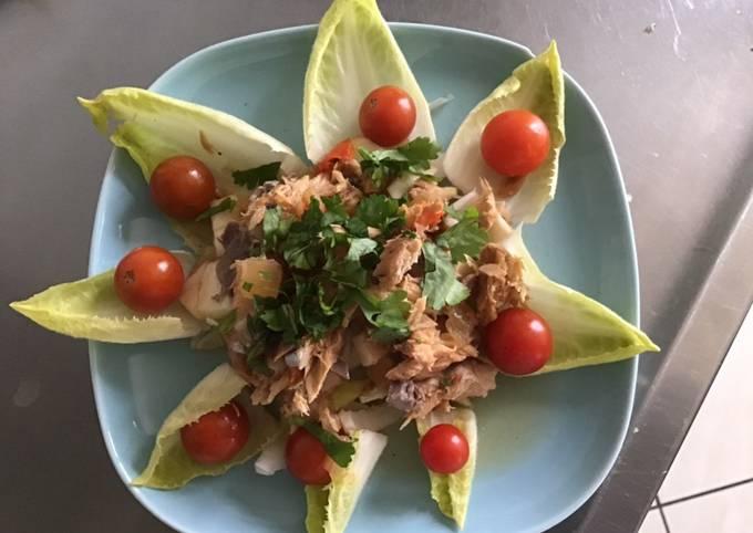 Salade d endives au maquereau pommes tomates cerises et coriandre