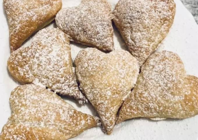 Cuori di pasta sfoglia ripieni di crema nocciola #carnevaleincucina