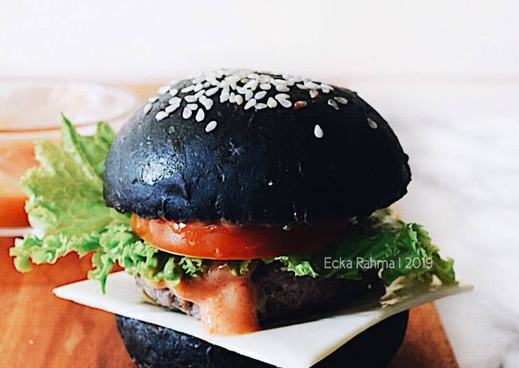 Black Burger Bun