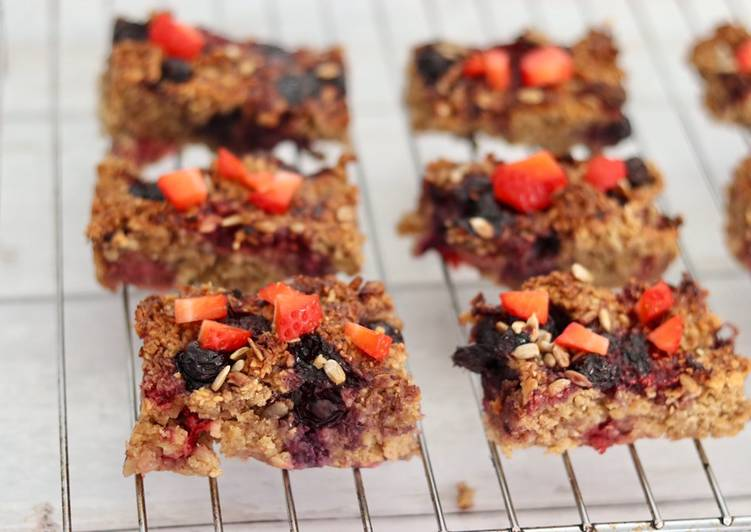 Easiest Way to Prepare Yummy Berries oat baked tray