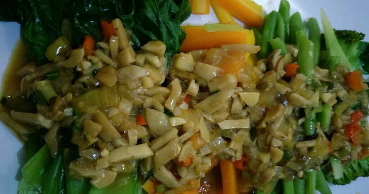 Aneka sayur siram saus jamur