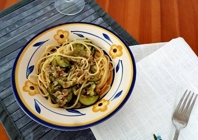 Spaghetti alle vongole e zucchine