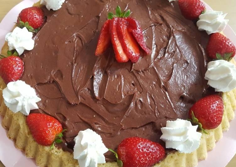 Ricetta Crostata morbida con crema al cioccolato e fragole