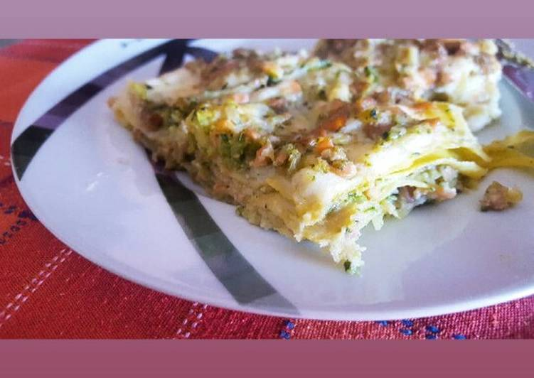 Recipe: Delicious Lasagna zucchine e salmone