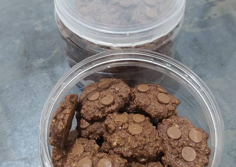 Cookies oatmeal (full oatmeal) renyah dan nyoklat banget