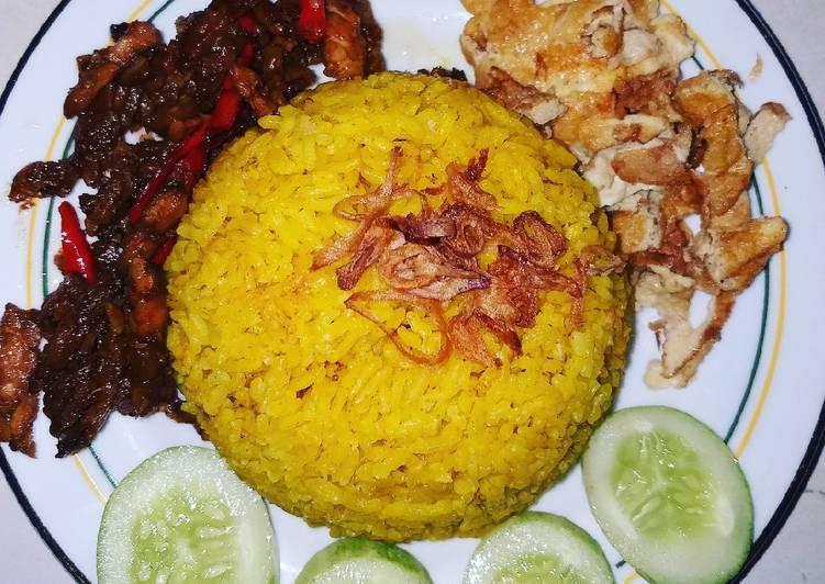 Nasi Kuning Sederhana Ibuku